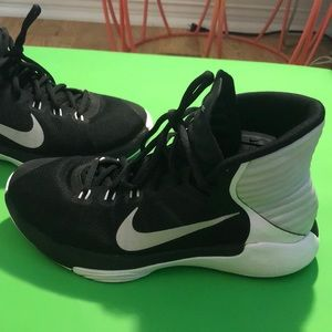 Nike Shoes - Black Nike basketball shoes, Prime Hype df 2016